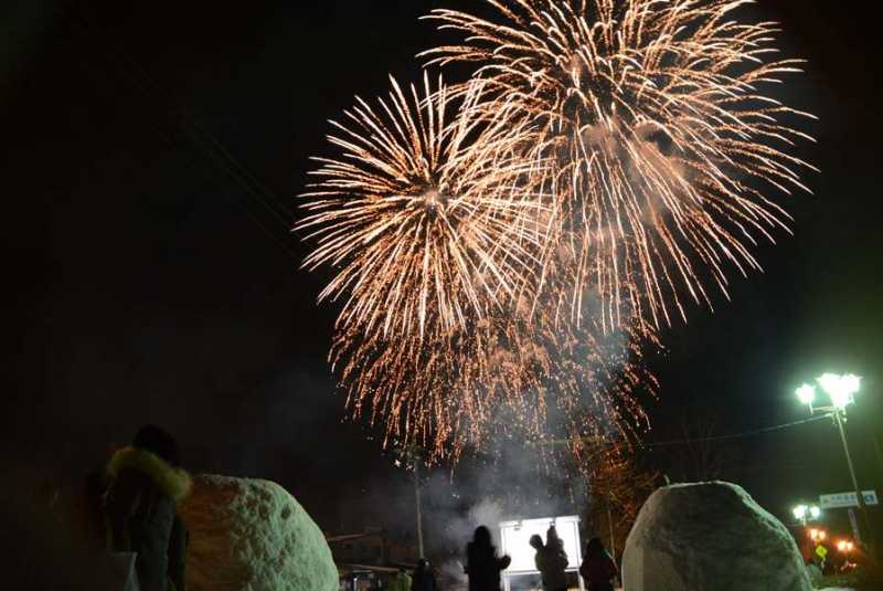 2/3(土)大町温泉郷花火が開催されました。