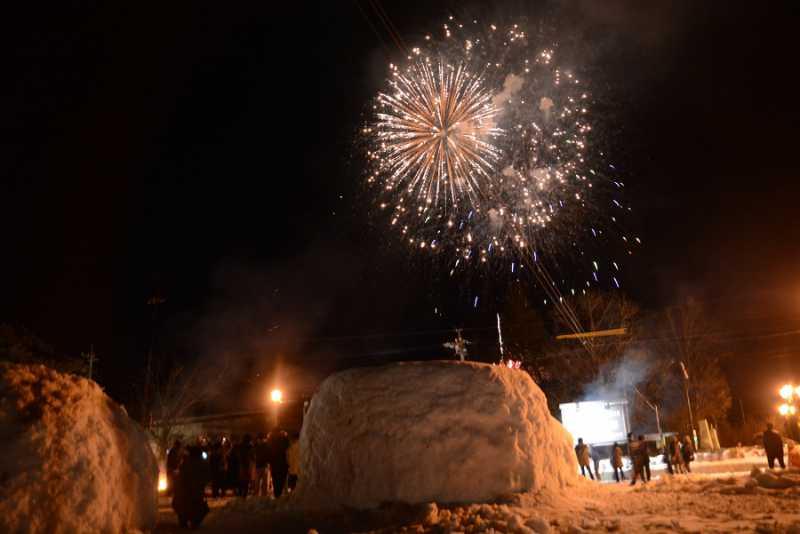 2/2(土)大町温泉郷花火が開催されました。