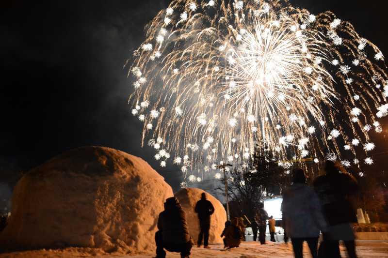 2/1(土)大町温泉郷花火が開催されました。